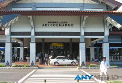 bandara-internasional-adi-s