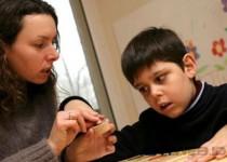 Autis (Autisme): Pengertian, Gejala, dan Terapi