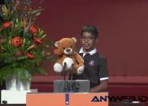 Anak Laki-Laki Berumur 11 Tahun 'Menyulap' Boneka Beruang Menjadi Mata-mata
