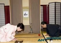 Orang British vs Orang Jepang, Mana yang Lebih Sopan?