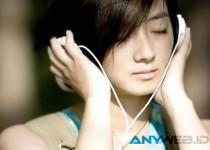 Belajar Sambil Mendengarkan Musik, Baik atau Buruk?