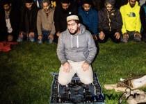 Melawan Gerakan Anti Islam, Mahasiswa Muslim di Michigan Gelar Salat Berjamaah